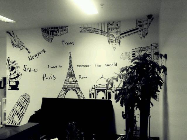 字母世界地图与著名建筑手绘墙作品 - 天津798彩绘